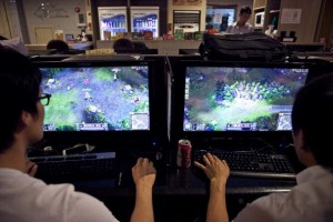 Day 3 of League of Legends Season 2 World Playoffs plagued